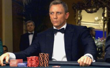 映画『007 カジノ・ロワイヤル』をネタバレあり評価!新たなボンドの魅力、今でも斬新なアクション・シーンの塊は最高にエンターテイニング